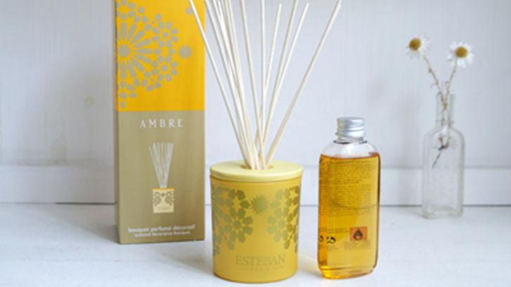 【エステバン】デコラティブラタンブーケ(アンバー)の香りとデザインで夏を楽しむ