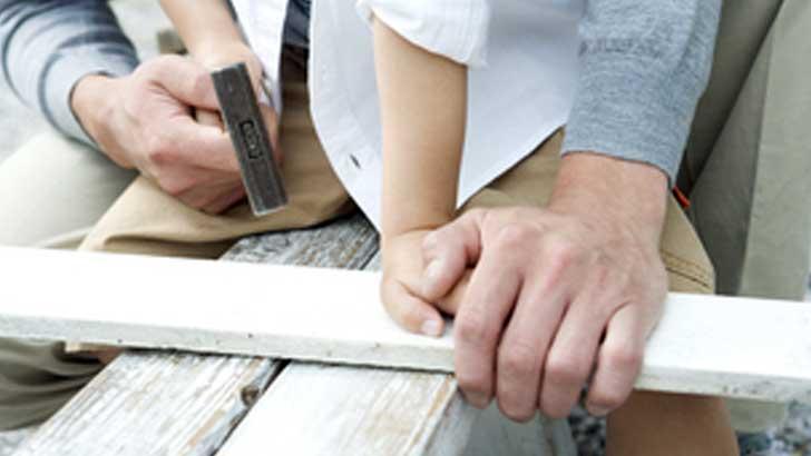 DIYのススメ~夏休みだから手作りで!親子で楽しむ木工細工