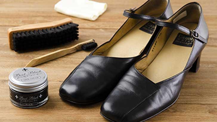 お気に入りのブーツや革靴、美しく保つためのお手入れ方法