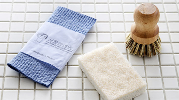 洗う道具を見直して効率的な食器洗い~植物生まれのエコ洗剤「エコベール」がオススメ