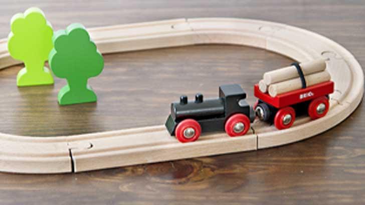 自由な感覚で自分の世界を創り出せる、BRIO(スウェーデン)の木製トイ