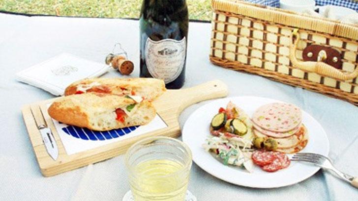 使い捨て紙皿「WASARA」美しき紙皿で、ピクニックをもっと素敵に