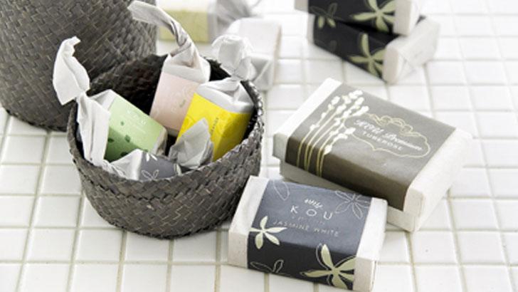 花のエキスを閉じこめたバリのナチュラル石鹸で、癒しのバスタイム