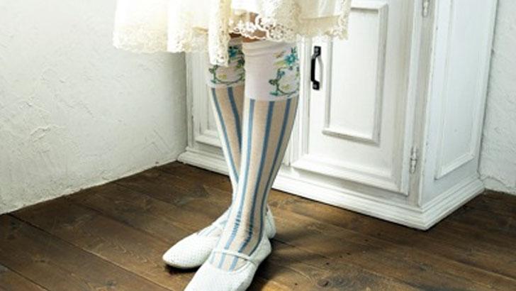 存在感は主役級!世界の女性の脚を彩る「アンティパスト/ANTIPAST」の靴下