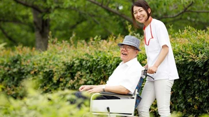 老後の生活に必要な資金はいくら?年金受給の繰り上げ・繰り下げと生命保険を見直す