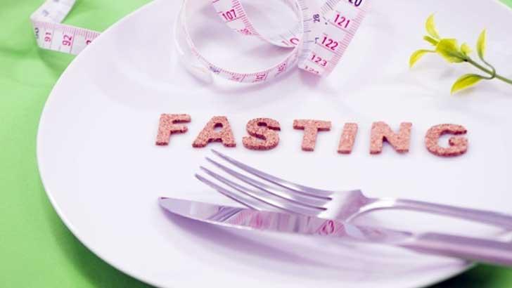 5:2ダイエットのプチ断食で年末年始の食べすぎをリセット!