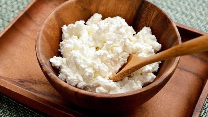 牛乳とレモンでつくる自家製カッテージチーズ