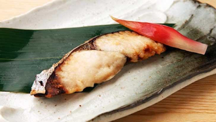 発酵食として注目の日本の伝統調味料「味噌」で、今夜のアテはカンタン味噌漬け