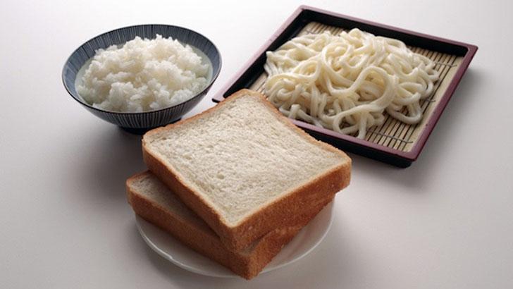 朝はごはん+昼はパスタ+夜はパン